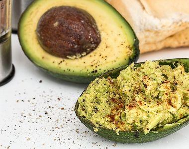 Guacamole. Cum se prepară corect cel mai savuros preparat cu avocado