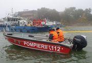 O ambarcaţiune cu două persoane la bord s-a răsturnat în Dunăre; bărbaţii au fost scoşi din apă de o şalupă a Poliţiei de Frontieră