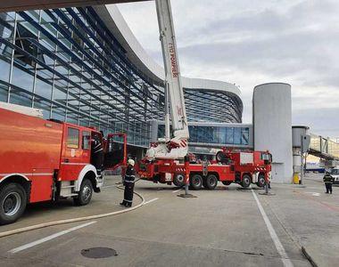 Incendiu în terminalul plecări din Aeroportul Otopeni. 600 de persoane au fost evacuate
