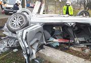 Vaslui: Doi bărbaţi au murit după ce s-au răsturnat cu maşina în Bârlad şi au lovit gardul unei unităţi militare