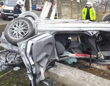 Vaslui: Doi bărbaţi au murit după ce s-au răsturnat cu maşina în Bârlad şi au lovit...