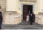 Klaus Iohannis petrece weekend-ul la Sibiu. Şeful statului a fost la biserică cu soţia