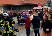 Germania: O maşină a intrat în mulţime la un carnaval. Cel puţin zece persoane au fost rănite