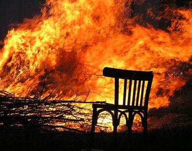 Incendiu devastator lângă vila președintelui Klaus Iohannis