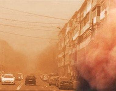 VIDEO | Fenomen bizar în estul României: praful portocaliu a fost împins spre orașe