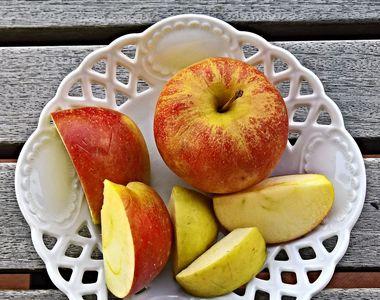 Plăcintă cu mere. Cel mai gustos desert de post gata în 30 de minute