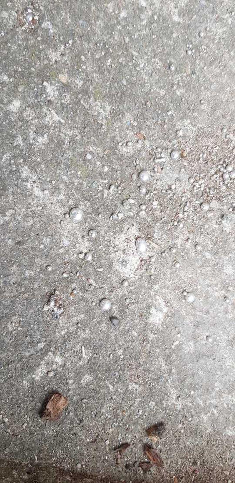 scurgere de mercur în apropierea unui bloc de locuinţe