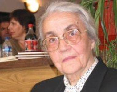 """""""Elena Ceaușescu a Albaniei"""" a murit. A supraviețuit capitalismului până la 99 de ani"""