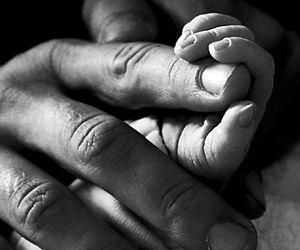 Bebeluș suspectat de virusul ucigaș