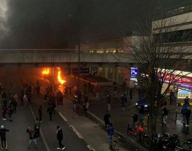 Incidente grave la Paris în timpul unui concert. Autoritățile au intervenit pentru a...