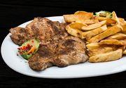 Ceafa de porc este nelipsită de pe mesele românilor. Avertismentul medicilor pentru cei care o consumă frecvent