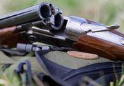 Accident de vânătoare în judeţul Mehedinţi. Un bărbat s-a împuşcat în zona braţului