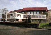 Tragedie la Arad: Bărbat decedat după ce a căzut de pe acoperişul Sălii Sporturilor