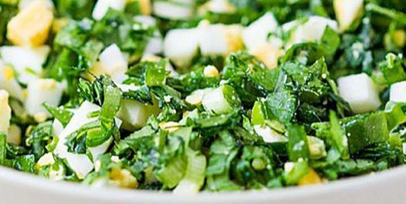 Salată de leurdă cu ou