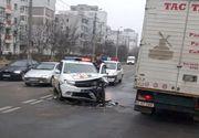 Iași: o mașină de poliție s-a făcut praf în urma unui accident