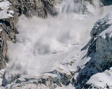 Tragedie în munții Făgăraș. Un turist a decedat şi alţi doi sunt răniţi