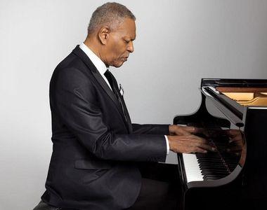 Pianistul de jazz american McCoy Tyner, membru al cvartetului John Coltrane, a murit la...