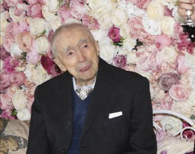 Cel mai bătrân român, ajuns la 111 ani, eră să moară la 108 ani pentru că nici un...