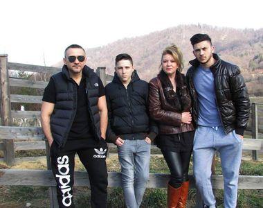 """Ei sunt părinții lui Alex Zănoagă de la """"Puterea Dragostei"""". Se pregătesc să devină bunici"""