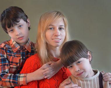 """Legea """"zile libere pentru părinți"""" a fost promulgată de Klaus Iohannis"""