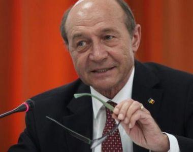 Traian Băsescu, reacție dură după închiderea barurilor, restaurantelor și bisericilor:...