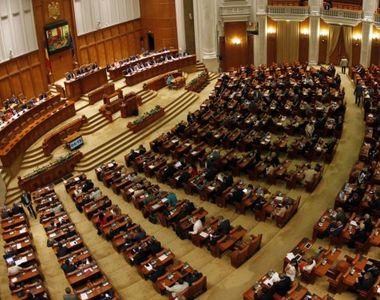 Parlamentul a aprobat în unanimitate solicitarea lui Klaus Iohannis privind...