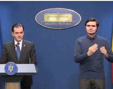 Bogdan Anicescu, tânărul care traduce pentru surdo-muți mesajele autorităților, face...