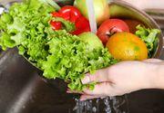 Cum se spală corect legumele și fructele. Greșeala pe care o facem toți