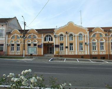 Zece poliţişti şi poliţişti locali din oraşul Buziaş, în izolare la domiciliu, după ce...