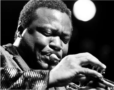 Trompetistul jazz Wallace Roney a decedat la vârsta de 59 de ani din cauza...