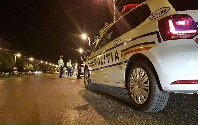 Medic oprit de politie