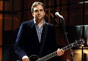Adam Schlesinger, fondator al trupei Fountains of Wayne şi compozitor premiat cu Emmy şi Grammy, a murit din cauza Covid-19
