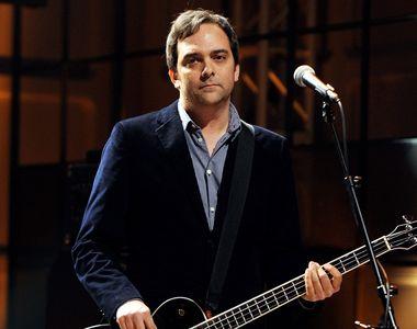 Adam Schlesinger, fondator al trupei Fountains of Wayne şi compozitor premiat cu Emmy...