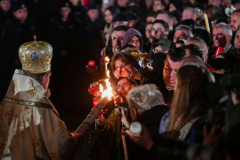 Paste 2020 - Noaptea deInviere 2020 slujba biserica