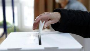 Guvernul a anunțat amânarea alegerilor locale. Mandatele aleșilor locali, prelungite până la finalul anului