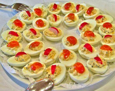 Ouă umplute cu ficăței de pasăre. O rețetă de Paște delicioasă!