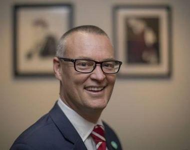 """Ministrul neozeelandez al Sănătăţii s-a autointitulat """"idiot"""". Ce exemplu a putut să..."""