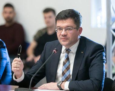 Ce avere are ministrul Mediului Costel Alexe! Legătura acestuia cu terenurile de la...