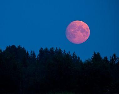 În această noapte este Lună Plină! Ce surprize ne aduce