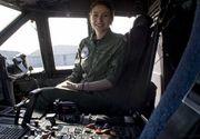 Prima femeie pilot de supersonic din România a condus aeronava NATO care a adus 100.000 de combinezoane din Coreea de Sud! Citește povestea fabuloasă a Simonei Măierean!