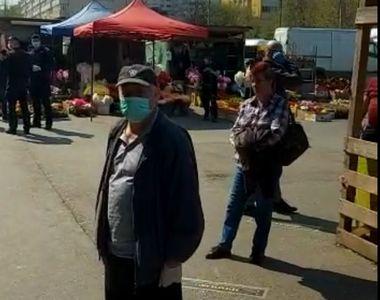 Aglomeraţie în Piaţa Obor din Bucureşti/ Forţele de ordine au restricţionat accesul -...