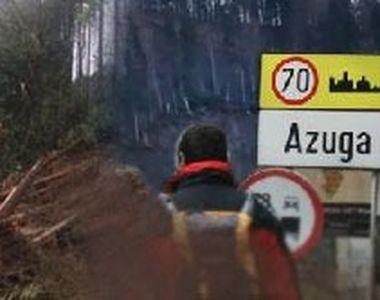 VIDEO | Alunecări de teren la Azuga. Localnicii sunt evacuați/Imagini incredibile