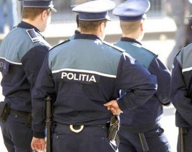 Poliţişti care verificau respectarea ordonanţelor militare, atacaţi cu pietre