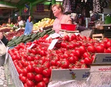 Roșiile românești au apărut în piețe. Adevărul neștiut despre aceste tomate. Cât costă...