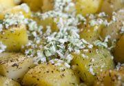 Cartofi noi la cuptor cu mărar. Adaugă brânză rasă! Rețeta pe care o va iubi toată familia