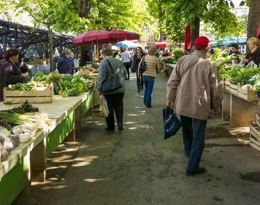 În plină de pandemie covid-19, sute de piețe se deschid în urma manifestațiilor