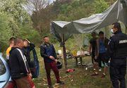 Şase tineri au făcut grătar pe malul râului Mureş. Trei dintre ei îşi montaseră corturile în zonă, fiind amendaţi