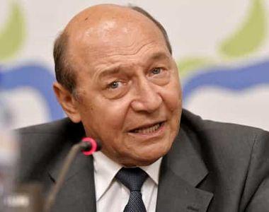 """Traian Băsescu, reclamat la CNCD pentru """"declaraţii discriminatorii şi incitatoare la..."""