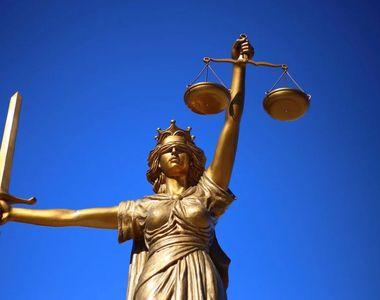 """CCR, după decizia în cazul Kovesi:""""Îndemnarea publică la revizuirea deciziilor CCR este..."""