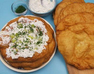 Langoşi reţetă: Aşa se fac cele mai delicioase gogoşi umplute cu brânză
